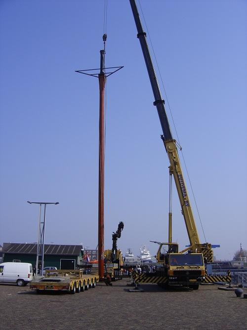 Bijna heeft de Bonaire haar eerste mast!